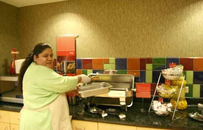 Hampton Inn & Suites Chicago Lincolnshire - Hotel - 5