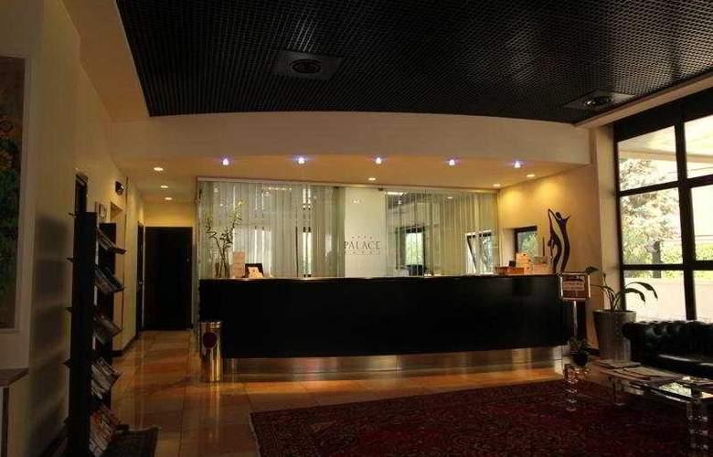 Montresor Palace - Hotel - 0