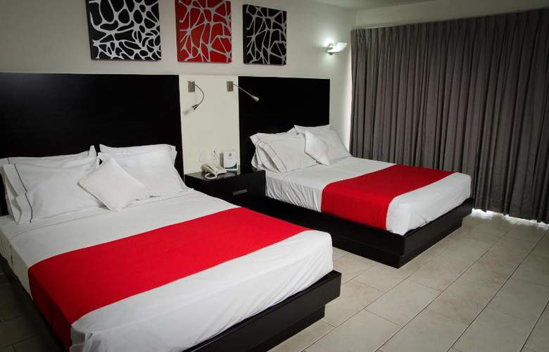 Portonovo Plaza Hotel Expo - Room - 6