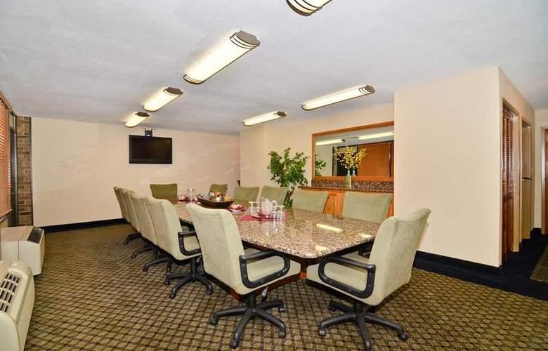 Best Western Saddleback Inn & Conference Center - Conference - 114