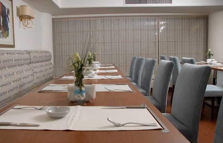 Mavi Surmeli - Restaurant - 5