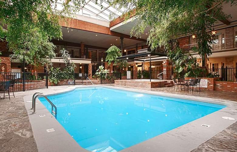 Heritage Inn Great Falls - Pool - 3