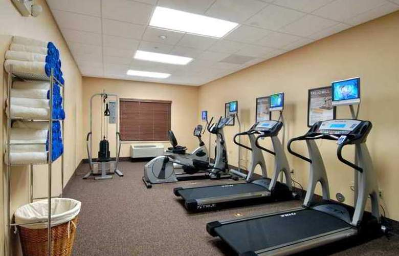 Hampton Inn Garden City - Hotel - 8