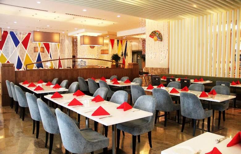 The Zenith Hotel - Restaurant - 16