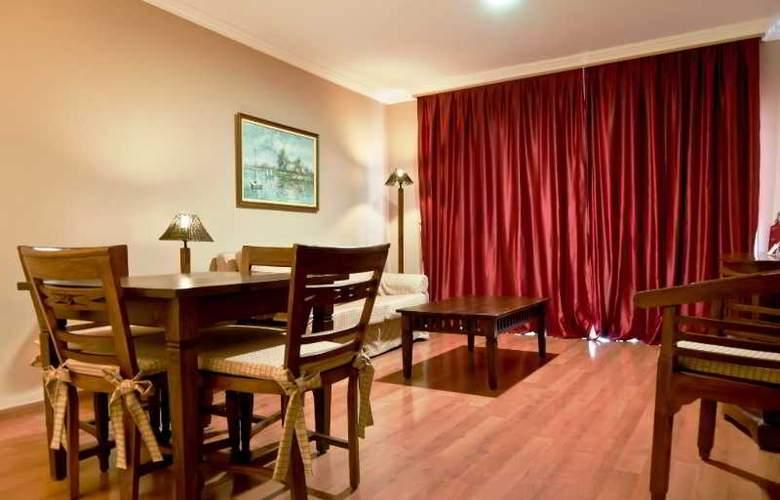 La Quinta Park Suites - Room - 8