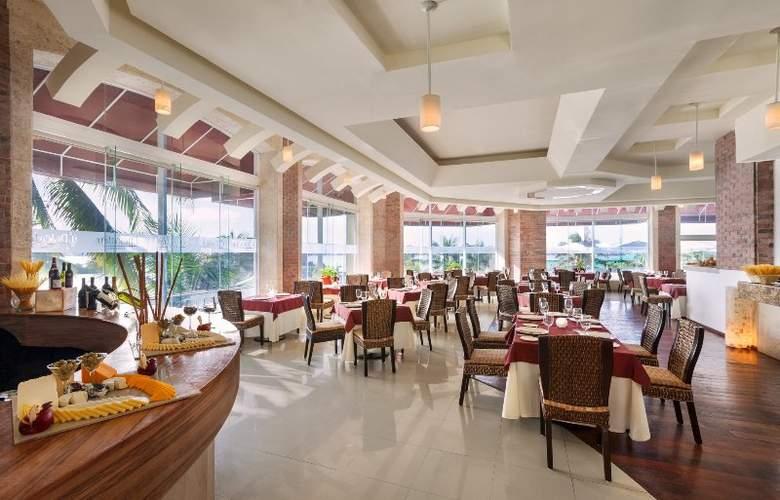 Panama Jack Resorts Gran Caribe Cancun - Restaurant - 35