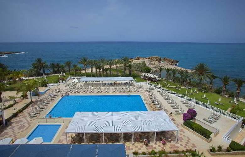 Queen's Bay - Hotel - 0
