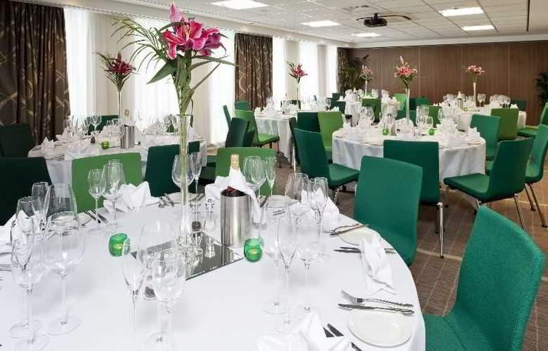Holiday Inn Express Bristol City Centre - Restaurant - 11