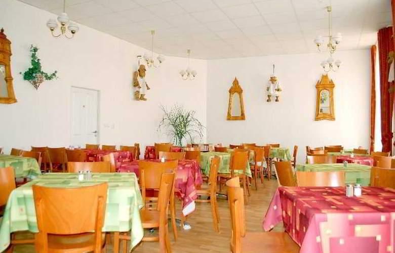 Metropolitan Old Town - Restaurant - 9