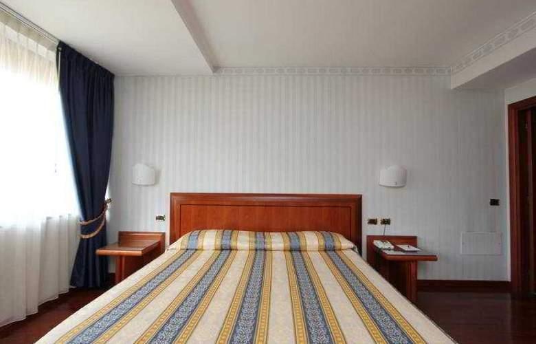 Montresor Palace - Room - 4