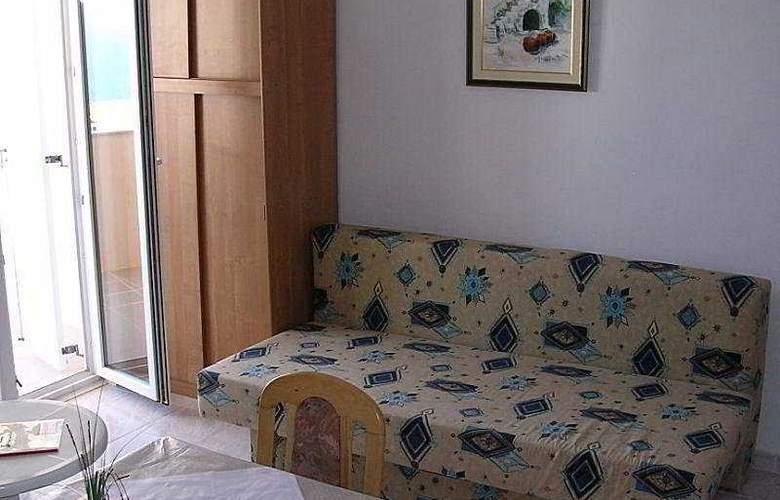 Apartmani Zlatni Rat - Room - 3