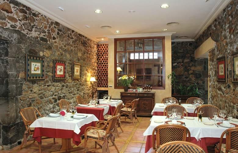 Hotel Palacio Torre de Ruesga - Restaurant - 5