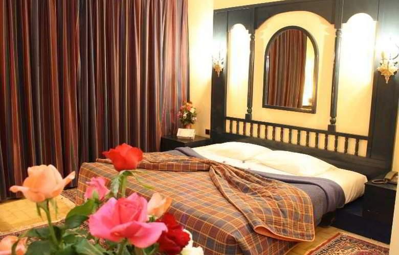 Karam Palace - Room - 10