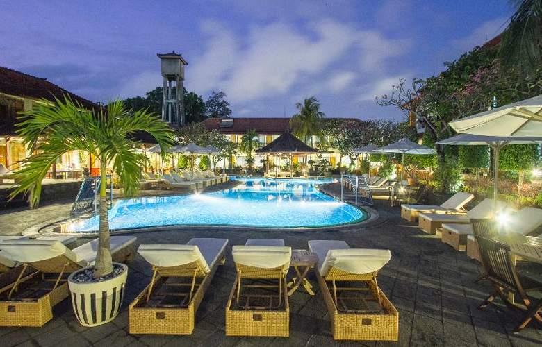 Sol House Kuta Bali - Pool - 12
