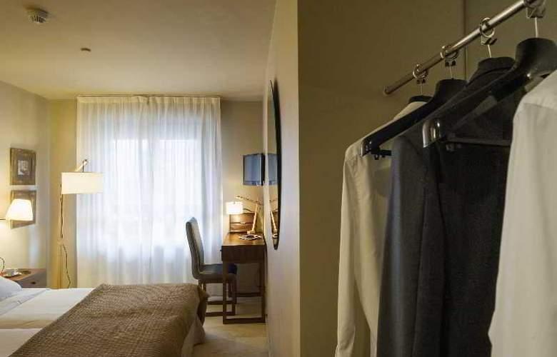 Pamplona Plaza - Room - 13