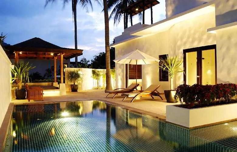 Racha Phuket - Hotel - 0
