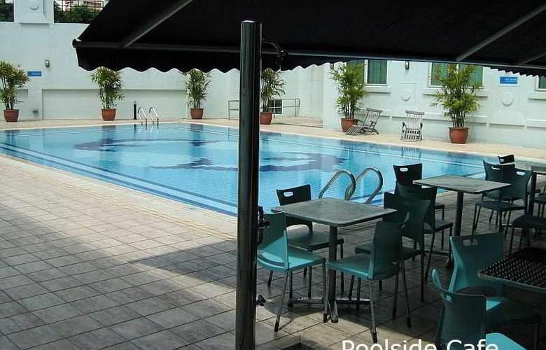 Hotel 81 - Tristar - Bar - 9