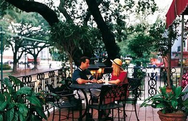 Avenue Plaza Hotel - Terrace - 2