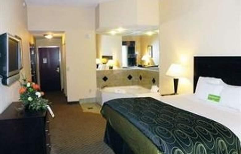 La Quinta Inn & Suites Tampa Central - Room - 6