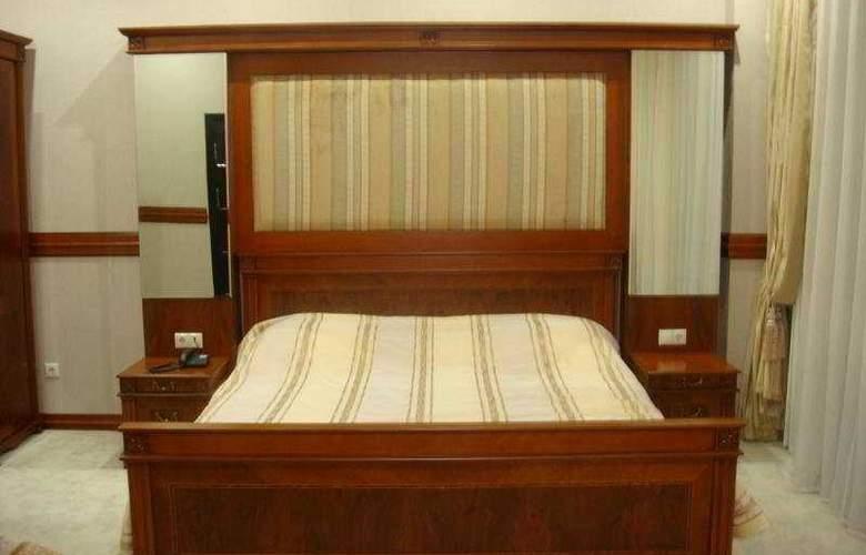 Sun Rise Hotel - Room - 2