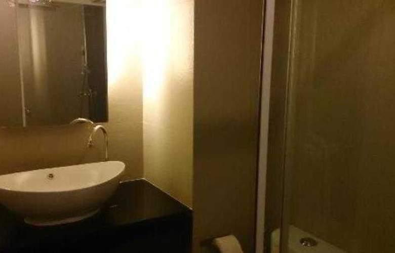 Q Hotel Bangkok - Room - 11