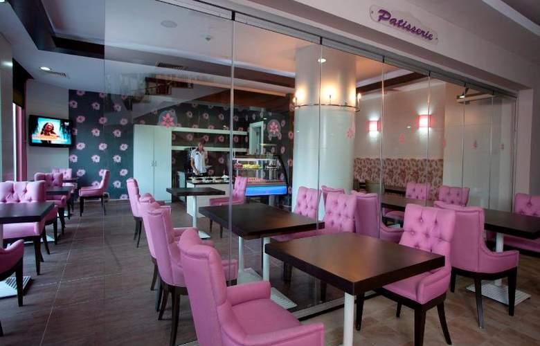 Lilyum Hotel - Bar - 13
