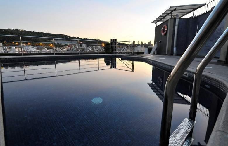 Barcelona Universal - Pool - 58
