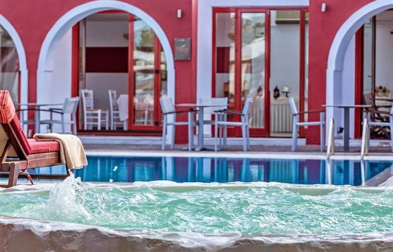 Kalisti Hotel & Suites - Pool - 10