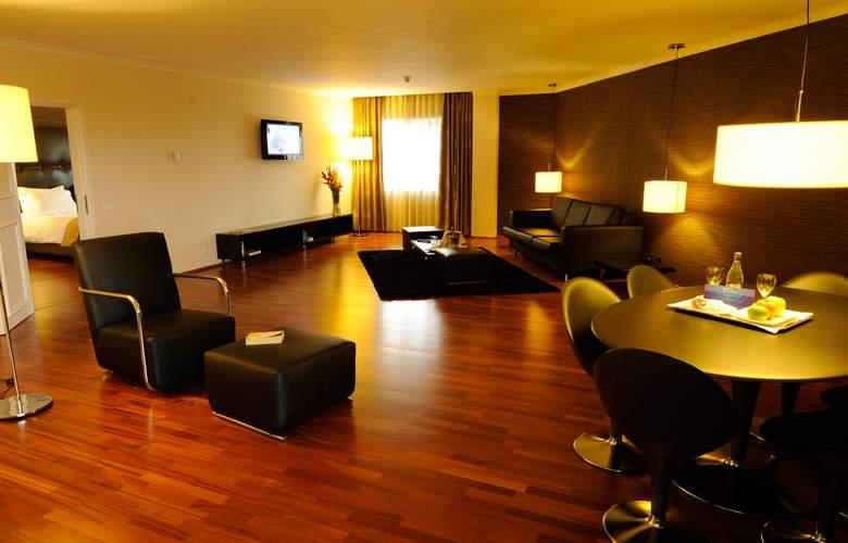 Radisson Blu - Room - 10