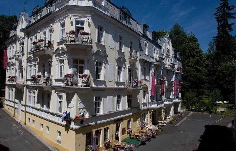 Hotel Residence Romanza - Hotel - 0