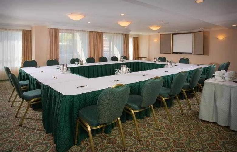 Grand Pacific - Conference - 7