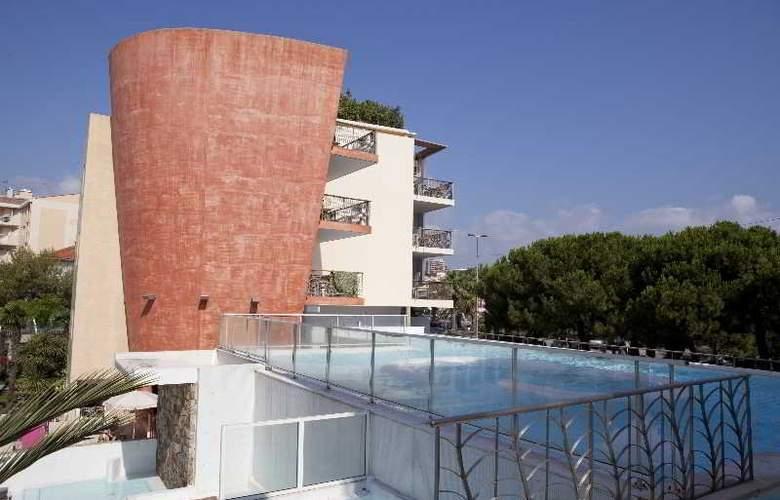 Résidence Pierre et Vacances Premium Port-Prestige - Pool - 13