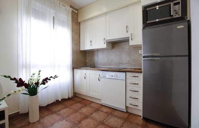 H2 Tirso de Molina - Room - 12