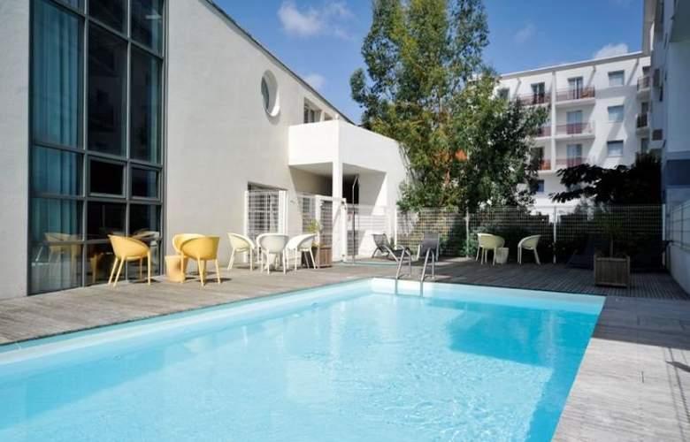 Park and Suites Elegance Saint Nazaire - Pool - 10