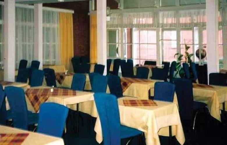 Slavia - Restaurant - 7