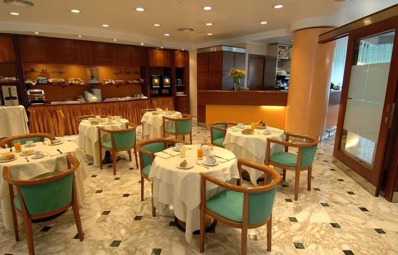 Abacus - Restaurant - 4