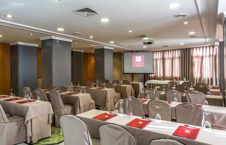 Leonardo Hotel Granada - Conference - 4