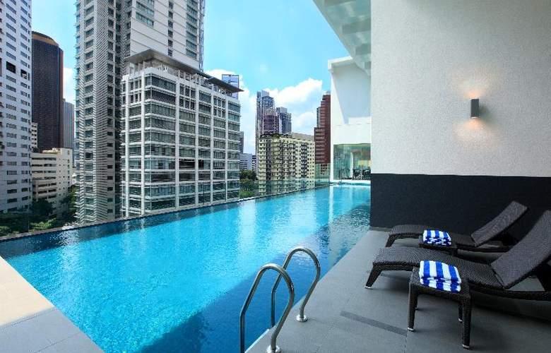 Invito Hotel Suites - Pool - 15