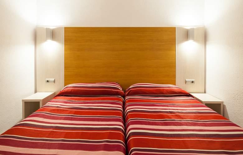 Ibiza Jet Apartments - Room - 3