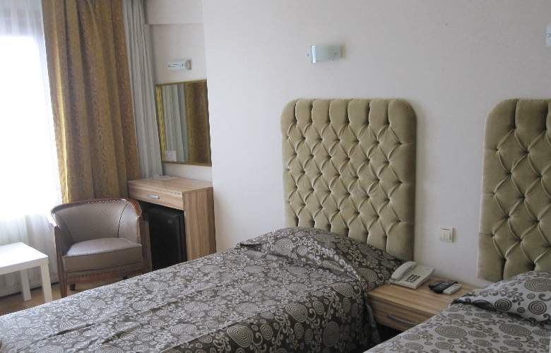 Grand Ant Hotel - Room - 3