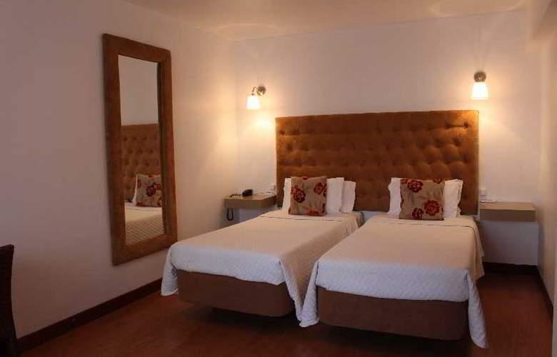 Hotel Residencial Batalha - Room - 8