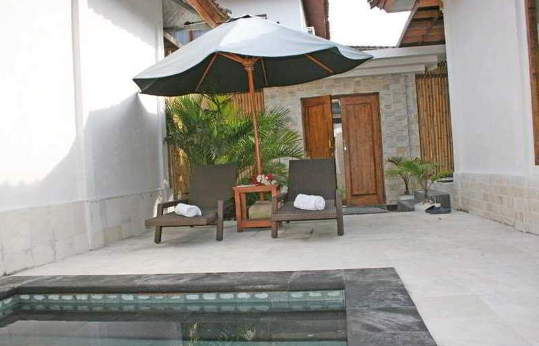Exqisit Villas And Resort - Pool - 5