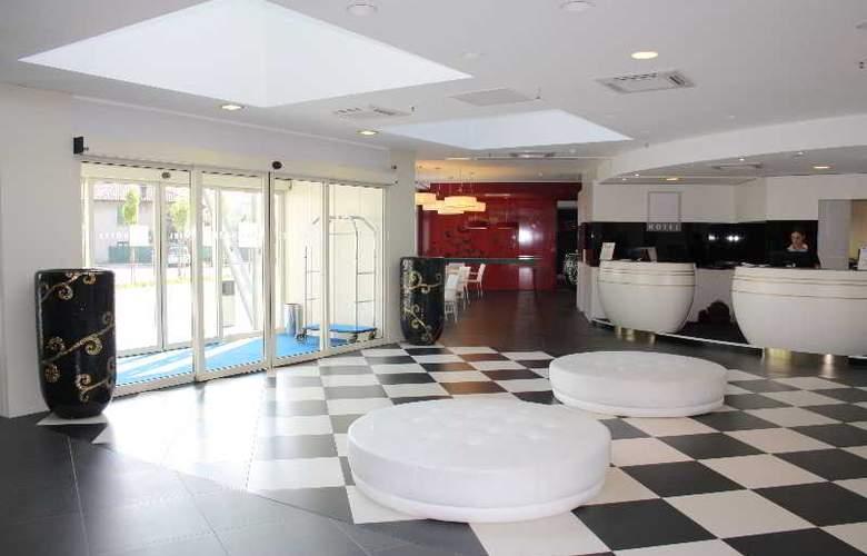 Idea Hotel Milano Malpensa Airport - General - 10