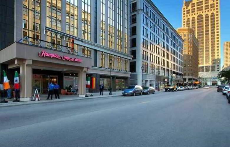 Hampton Inn & Suites Milwaukee Downtown - Hotel - 4
