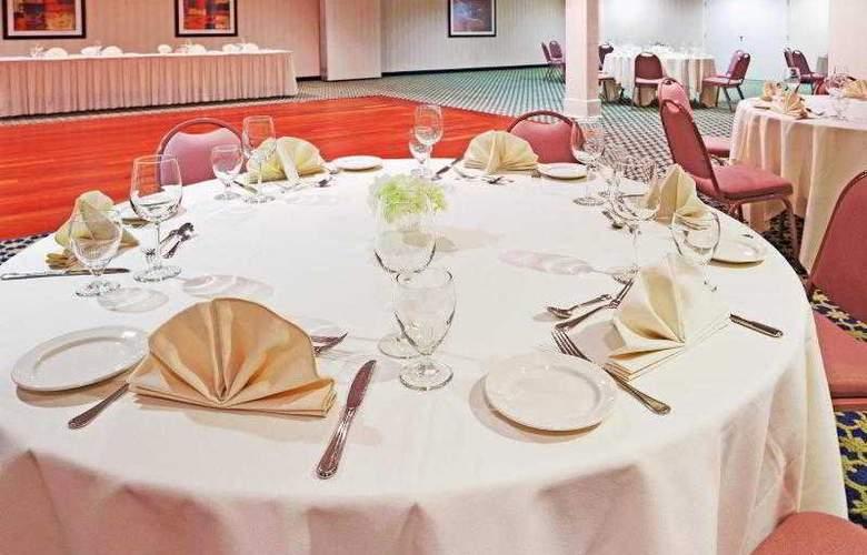 Holiday Inn Cape Cod-Hyannis - Sport - 20
