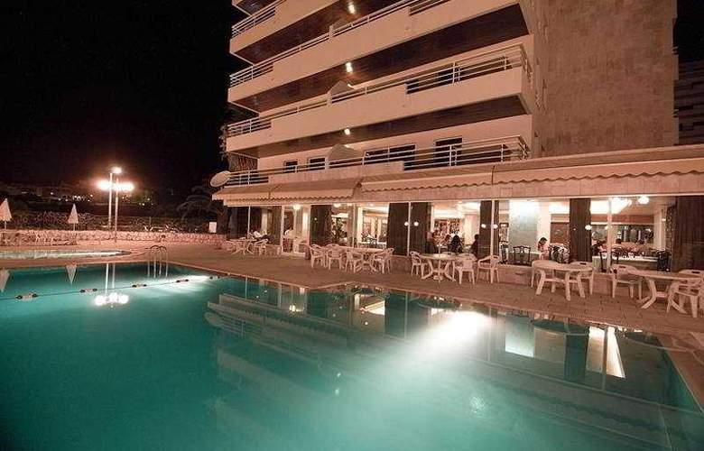 Interpass Vauhotel Apartamentos - Pool - 3