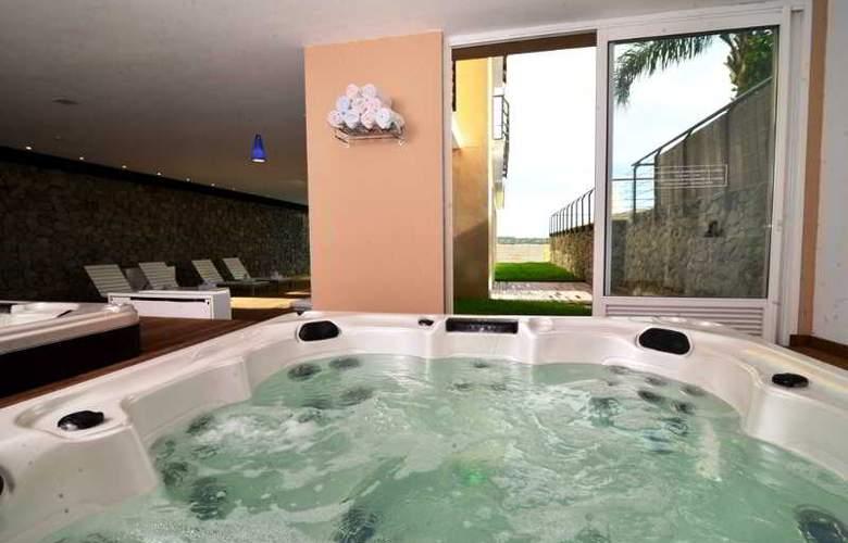 Radisson Colonia del Sacramento Hotel & Casino - Pool - 40