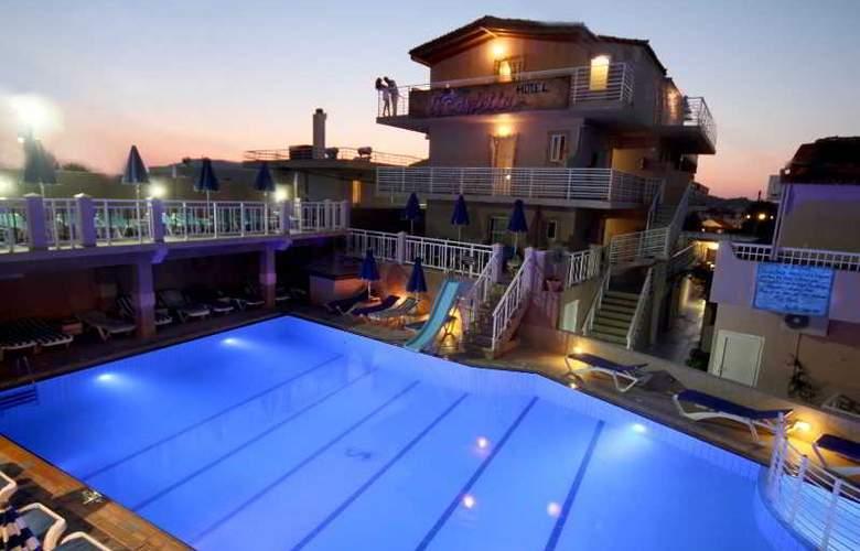 Marietta Hotel Apartments - Pool - 24