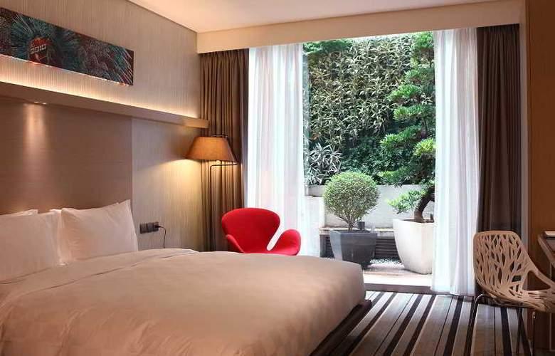 Sparkle Hotel - Room - 5