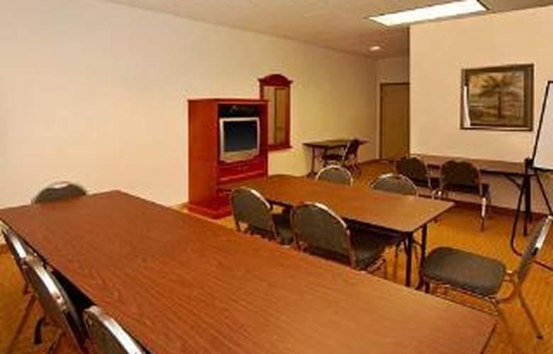 Quality Inn & Suites - General - 4